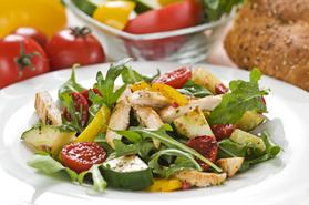 季節の野菜サラダ