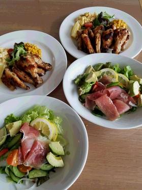 当日分の主菜の「チキン手羽元と手羽中」と副菜の「生ハムとアスパラガスのマリネ」