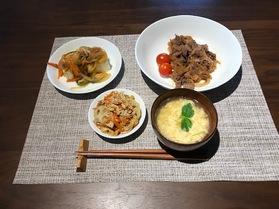 お肉、豆腐、卵でたんぱく質豊富な献立です!